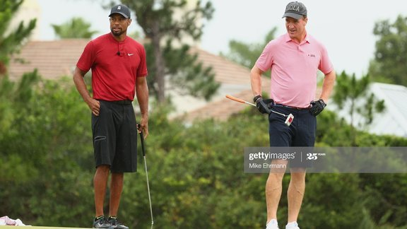 Tiger Woods và Peyton Manning chiến thắng The Match: Champions for Charity